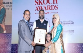 Mrs Ramshida TC has been presented SKOCH award by Reserve Bank of India officials for E governance service delivery in India for the year 2017 - Thrissur - Akshaya: Gateway of Opportunities